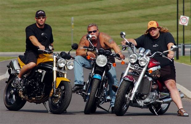 Foto: Paul Teutul Senior, Paul Junior e Mikey, do Orange County Choppers (OCC)