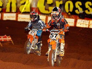 Foto: Vitor Soares, piloto da categoria 50cc, no Arena Cross