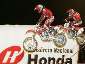 Foto: Cézar Zamboni, piloto da 85cc do Team Honda no Arena Cross