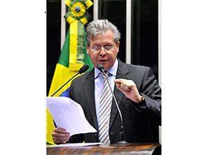 Arthur Virgílio denuncia -invasão chinesa-, que ameaça produção de motos de Manaus