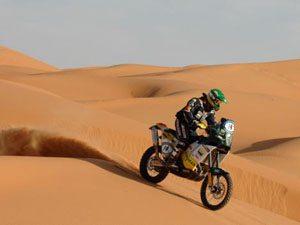 Azevedo termina em sexto no UAE Desert Challenge