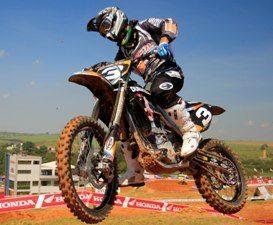 Balbi estréia no Mundial de Motocross