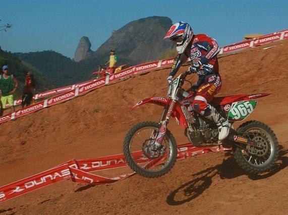Foto: Balbi est um ponto na frente de Marronzinho, no Brasileiro de Motocross