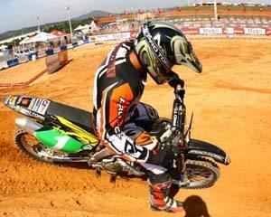 Foto: JoÆo Paulino Marrozinho, piloto da categoria MX1 do Brasileiro de Motocross