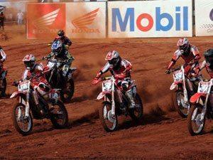 Foto: Largada da categoria MXJr no Brasileiro de Motocross