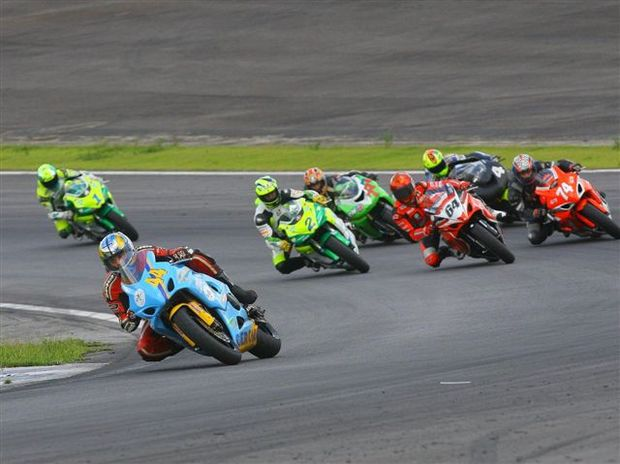 Foto: Disputa acirrada na categoria Superbike