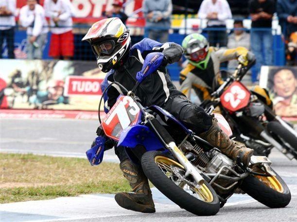 Foto: Supermoto mescla diversas modalidades do motociclismo