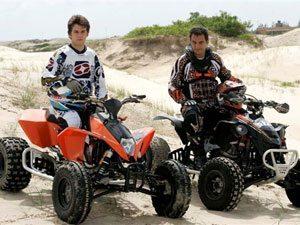 Foto: Munir Khalil e Zein Atef treinam nas dunas de Ilha Comprida (SP) visando bons resultados na Argentina