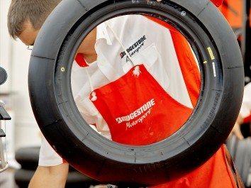 Bridgestone analisa descobertas de Sepang