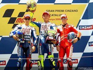 Brilhante 99º triunfo de Rossi na última curva