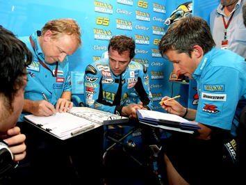 Capirossi quer premiar Suzuki com vitória na Terra do Sol Nascente