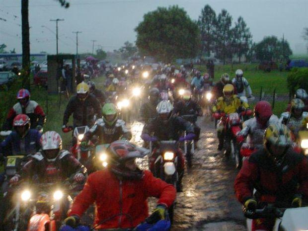 Chuva e Muita Lama na 3ª Trilha da Tocha em Meleiro (SC)