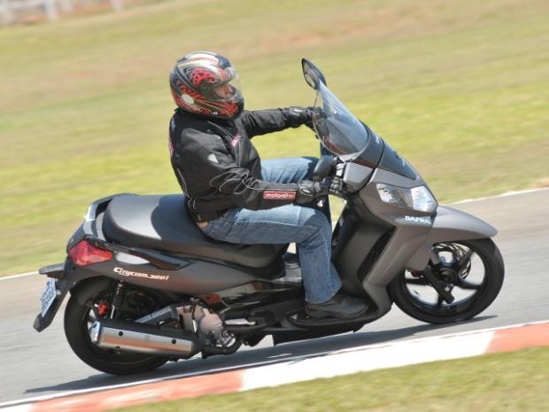 Citycom 300i: o scooter na medida exata