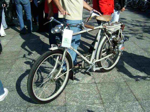 Foto: BIcicleta motorizada em exposi‡Æo 3§ Moto&Cia Classic