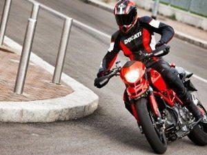 Ducati Hypermotard 796 em promoção