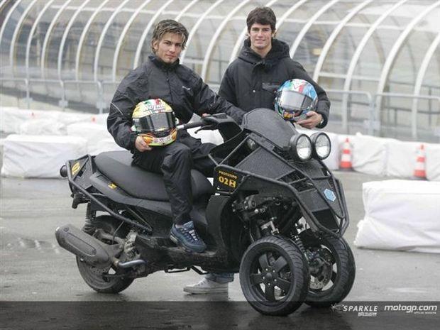 Dupla italiana testa nova revolucionária Scooter