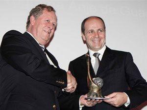 Foto: Na foto, o presidente da Volvo no Brasil, Tommy Svensson (à esquerda), e o diretor-presidente da Cargolift, Markenson Marques