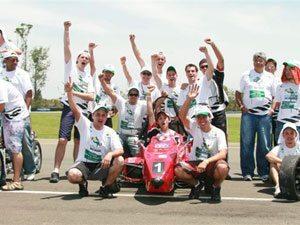 Equipe brasileira de Fórmula SAE disputa competição na Califórnia