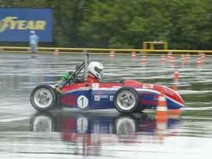 Equipe da Faculdade de Engenharia de Sorocaba sagra-se campeã da Fórmula SAE