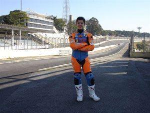 Foto: Piloto de 13 anos completou 67 voltas em dia de teste no circuito de Interlagos.