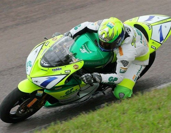 Fábio Peason pode levar título da 250cc neste domingo