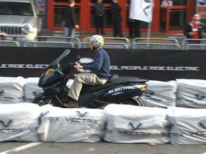 Foto: Vectrix lan‡ou seu maxi-scooter el'trico