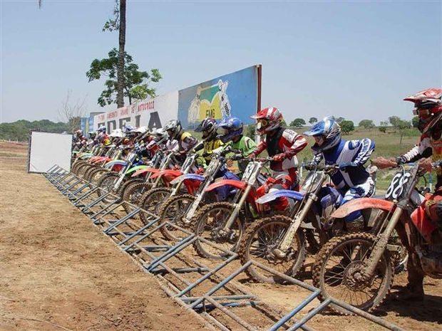 Goiano de Motocross esquenta Edéia