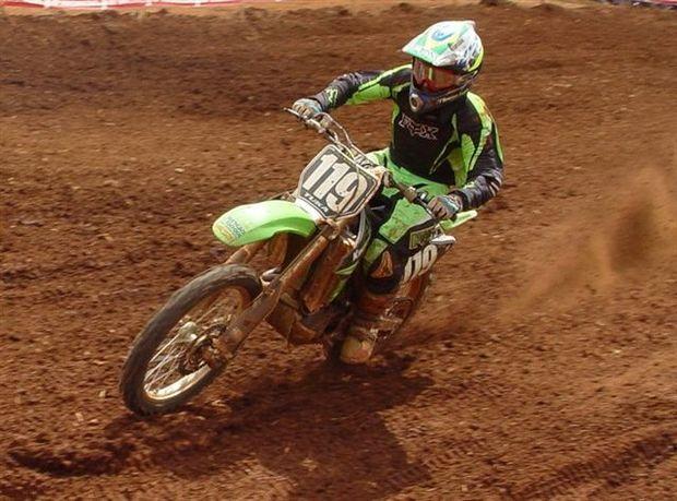 """Foto: Deni """"Tuka"""" Marques Filho - lider MX2"""