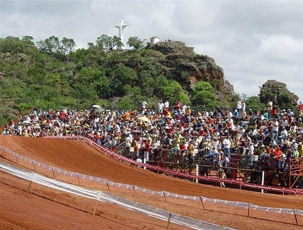 Goiano de motocross, Paraúna faz a festa da 8ª etapa