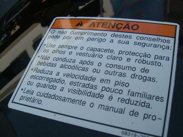 Foto: Em qual moto est anexada este aviso?