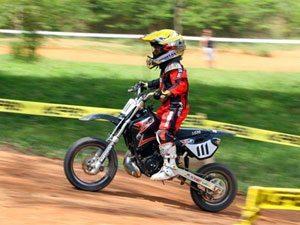 Foto: Lucas Costa, piloto ASW que disputa a categoria A no Brasileiro de Minicross