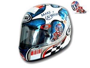 Hayden com capacete especial no Brickyard