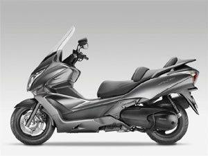 Honda aposta na praticidade e segurança no novo SW-T 400