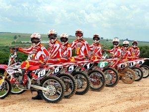 Honda apresenta time para temporada 2007