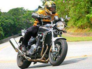 Honda CB 1300 Super Four com ABS - Estilo Tiozão