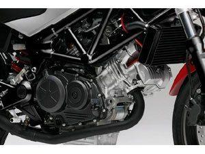 Honda com motor V2 de 250cc estréia na Europa