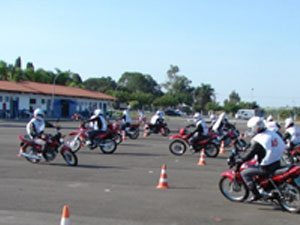 Honda prepara mais de 1,2 mil policiais e bombeiros para utilização de motocicleta em prestação de serviços