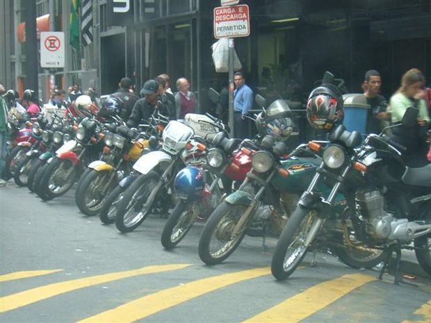 Indústria de motocicletas retoma crescimento em agosto