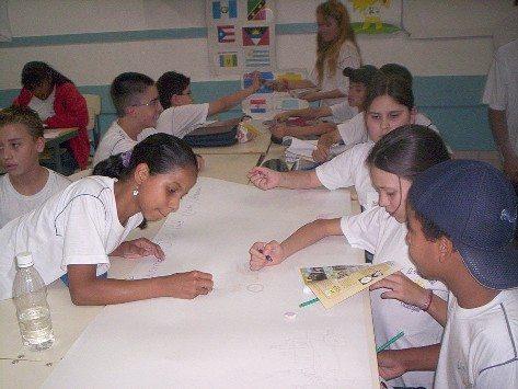Foto: Alunos da E.E. Prof. Od'cio Lucke, durante o desenvolvimento de atividades voltadas aos ensinamentos do Projeto Escola Intervias