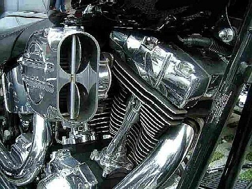 Izzo reposiciona os valores das motos Harley e Triumph