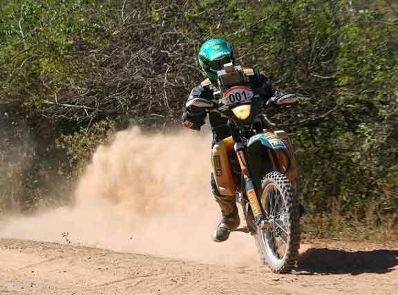 Jean Azevedo continua na terceira colocação na geral de motos