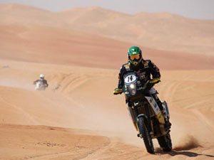 Jean Azevedo faz prova cautelosa no UAE Desert Challenge