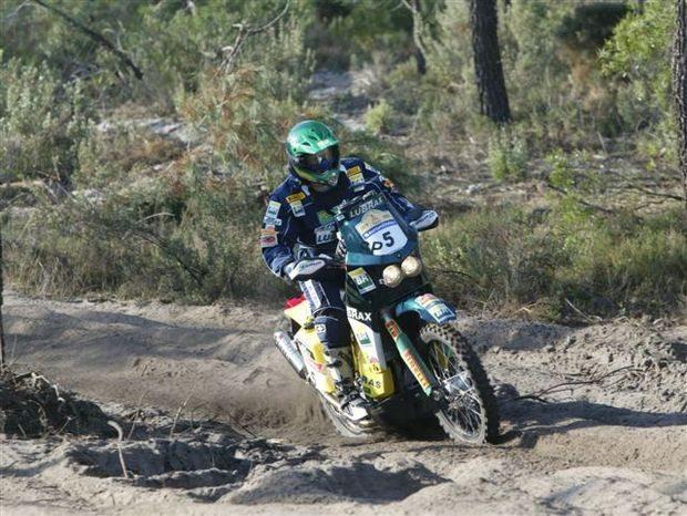 Foto: Jean Azevedo agora ' o 10§ na classifica‡Æo geral do Dakar