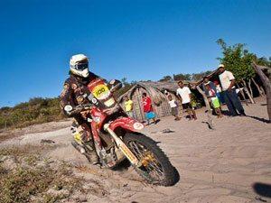 Foto: José Hélio, patrocinado pela Honda, na sétima etapa do Rally dos Sertões 2009 entre Barra (BA) e Petrolina (PE)