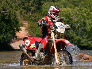 Foto: José Hélio, piloto patrocinado pela Honda, representa o Brasil no Rally Dakar