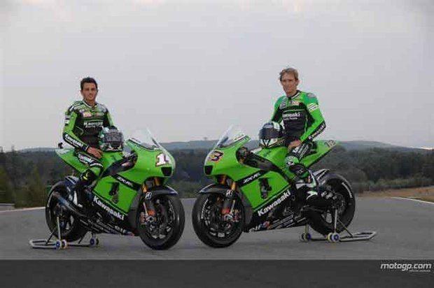 Kawasaki passa a correr de verde lima