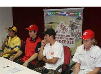 Foto: Pilotos se preparam para a primeira etapa do Latino-Americano de MX