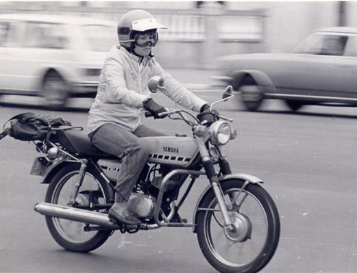 Madison Propaganda, consumidor, din din, 30 anos, fotos e motociclistas