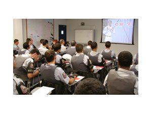 Moto Honda e concessionárias oferecem cursos de pilotagem com segurança