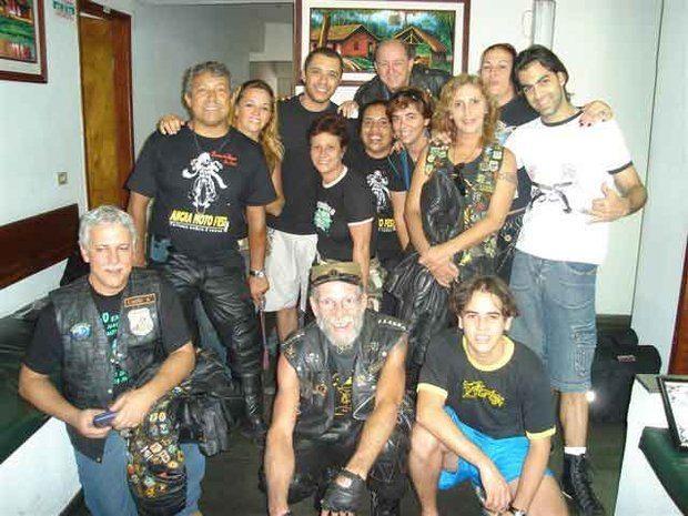 Foto: Os motociclistas que formam a irmandade com os m£sicos da Faixa Etria em Miracema
